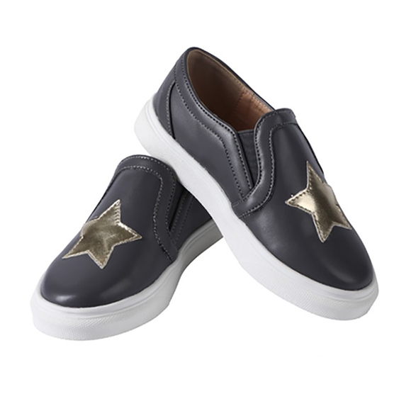 ContiKids Other - Girls Boys Classic Slip On Canvas Star Sneakers